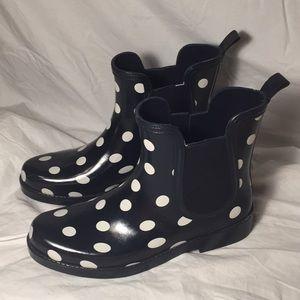 1e548bb47456 Crown   ivy polka dot rainboots